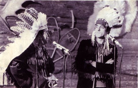 Yvan Ducharme humoriste strand up comic au Cabaret wigwam avec Paul Berval 1970